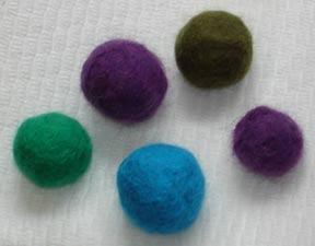 Felt_beads